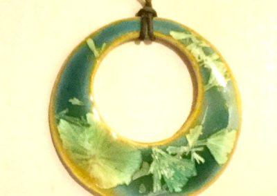 green open circle
