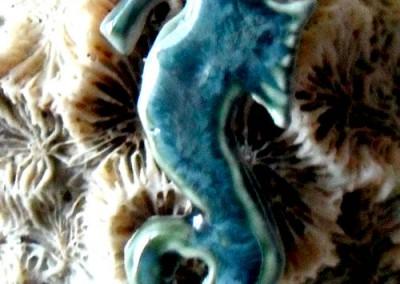 seahorse dark green pendant